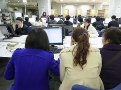 駒場図書館の活用(2011年12月短期研修).jpg