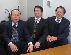 DSCN5075(カイン学長一行 於・プログラム室) - コピー.JPG